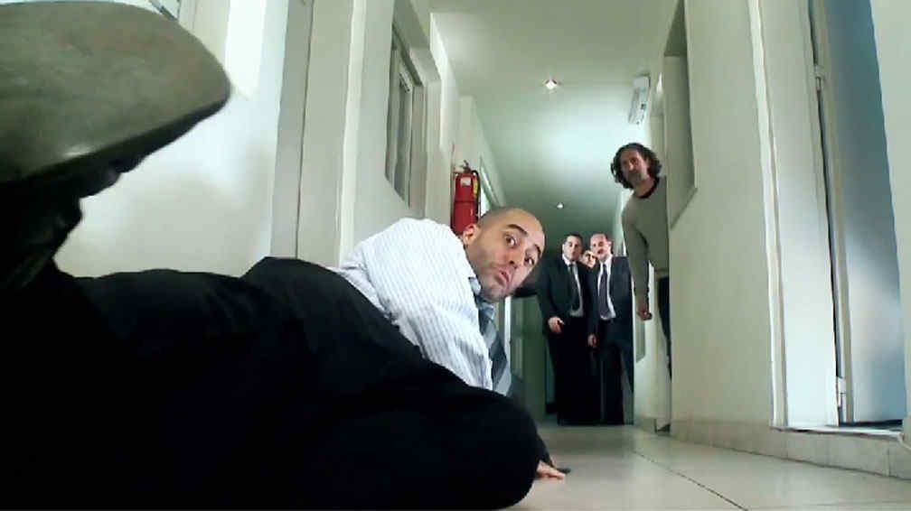 La desopilante parodia televisiva del oficinista que se for Follando a la oficinista