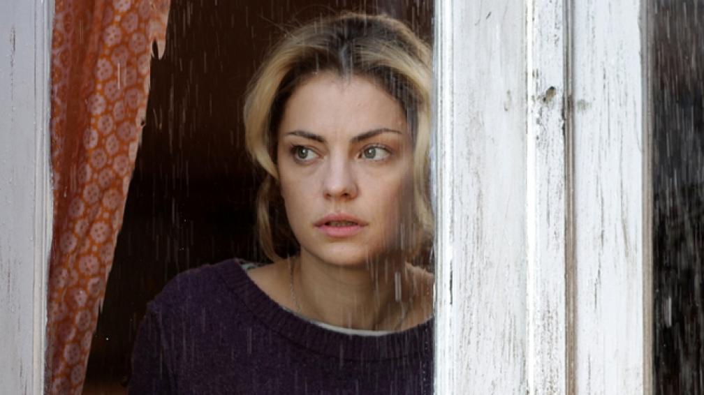 Dolores Fonzi, en una escena del filme 'El campo'.