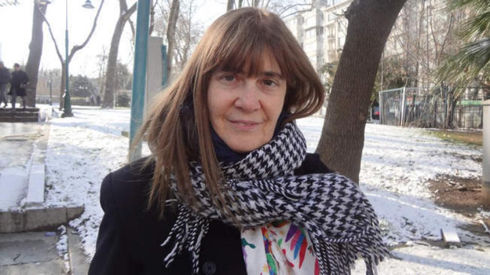 Perla Suez vive un presente intenso mientras prepara la salida de su nueva novela.