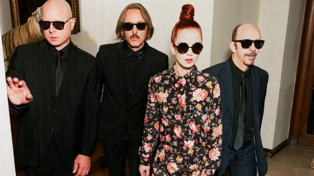 Steve Marker (guitarra), Butch Vig (batería y loops), Shirley Manson (voz) y Duke Erikson (guitarras, teclados y piano). Garbage, los mismos de siempre.