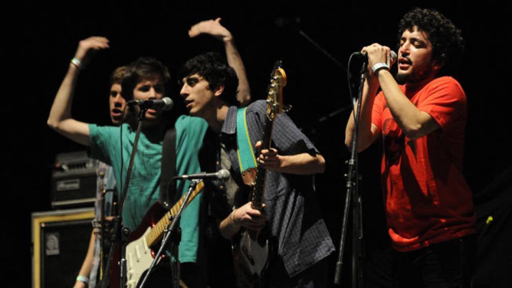 La Madre del Borrego fue la banda local encargada de abrir la velada. Fotos: Facundo Luque.