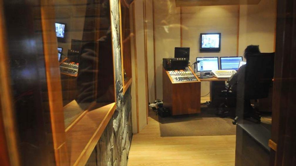 Raphael y Paris Paris Musique trabajan a buen ritmo en Maya Estudio.