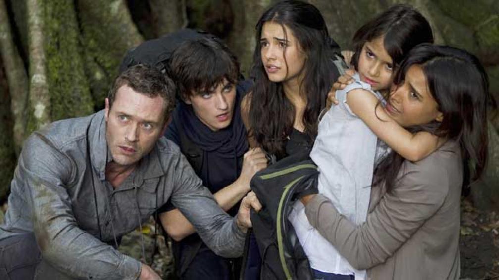 La familia Shannon tiene que romper algunas reglas para poder llegar a la tierra prometida. Ya en el pasado, intentan aprovechar su segunda oportunidad.