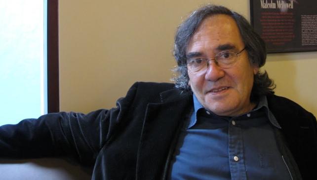 Eliseo Subiela dirige, tras 26 años del filme, la versión teatral de 'Hombre mirando al sudeste'.
