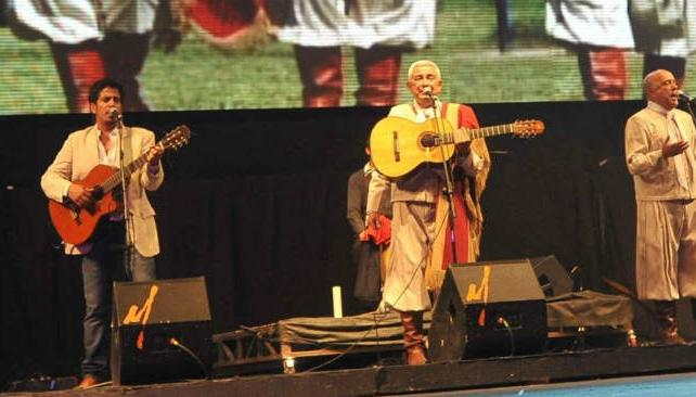El homenaje a los Tucu Tucu abrió la anteúltima noche de Cosquín. Fotos: Pedro Castillo/La Voz.