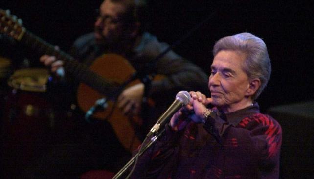 2001. Chavela Vargas en Córdoba durante su presentación en el Teatro Real.