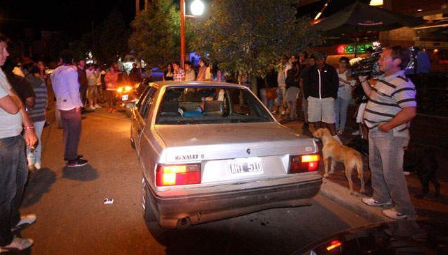 El auto que agredió el custodio de Fort (foto: La Voz).