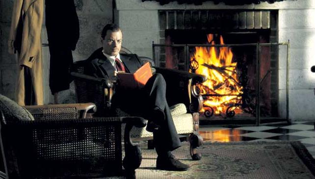 EDÉN. Una escena dentro del Hotel Edén, reconstruido en su mobiliario para la ficción.