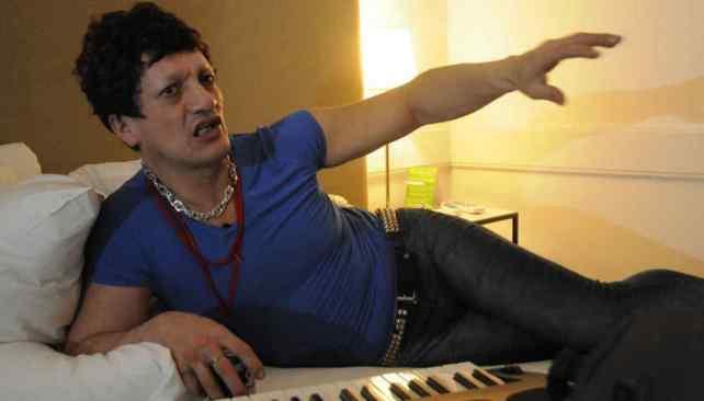Dos mujeres denunciaron a un famoso cantante por violencia de género