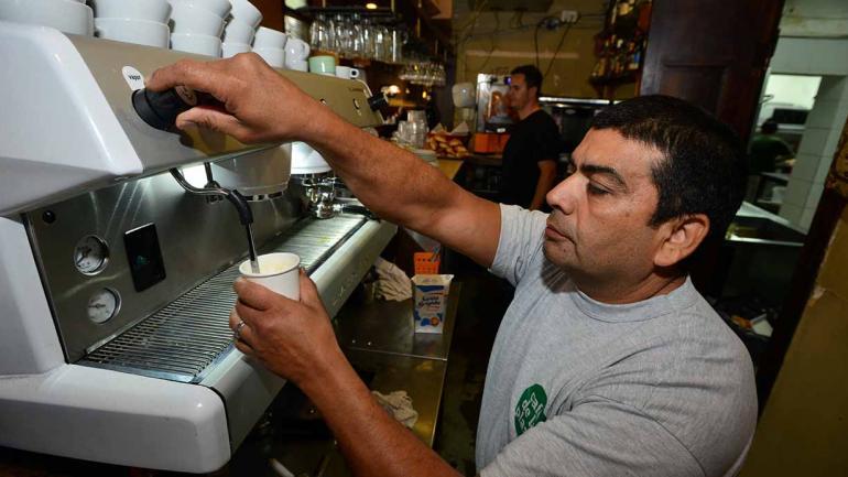 La máquina de cerveza tirada aún funciona (Nicolás Bravo)