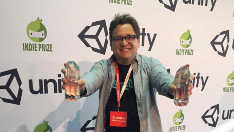 """En Berlín. Federico Espósito recibió dos premios por """"Blink & Die""""."""